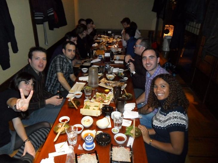 Grupo completo cena nochevieja