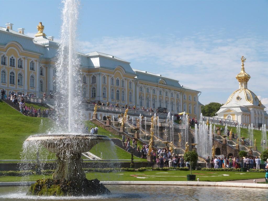 Fuente francesa y Gran Cascada en Peterhof
