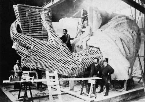 Construcción de la Estatua