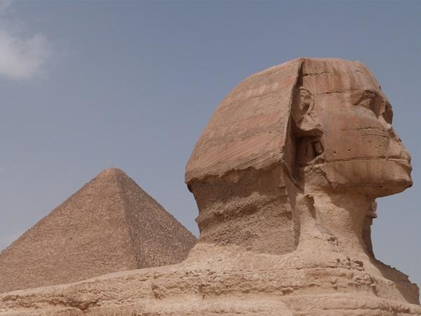 La Gran Pirámide y la Esfinge