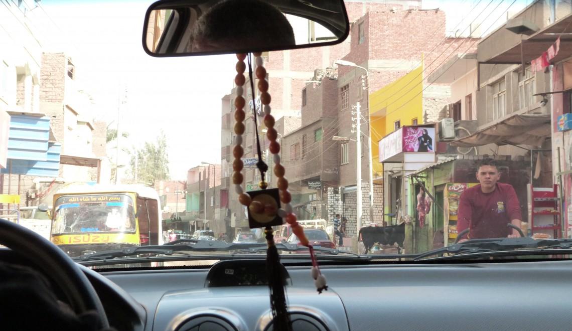Interior de un Taxi en Egipto