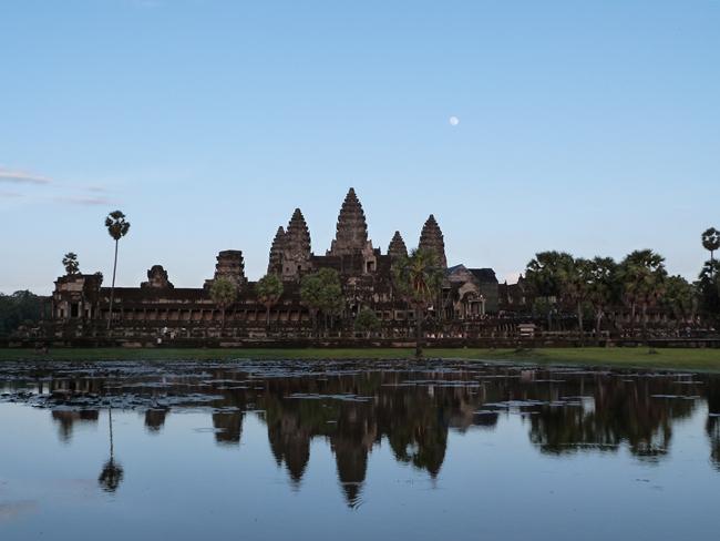 Empezando a atardecer en AngkorWat