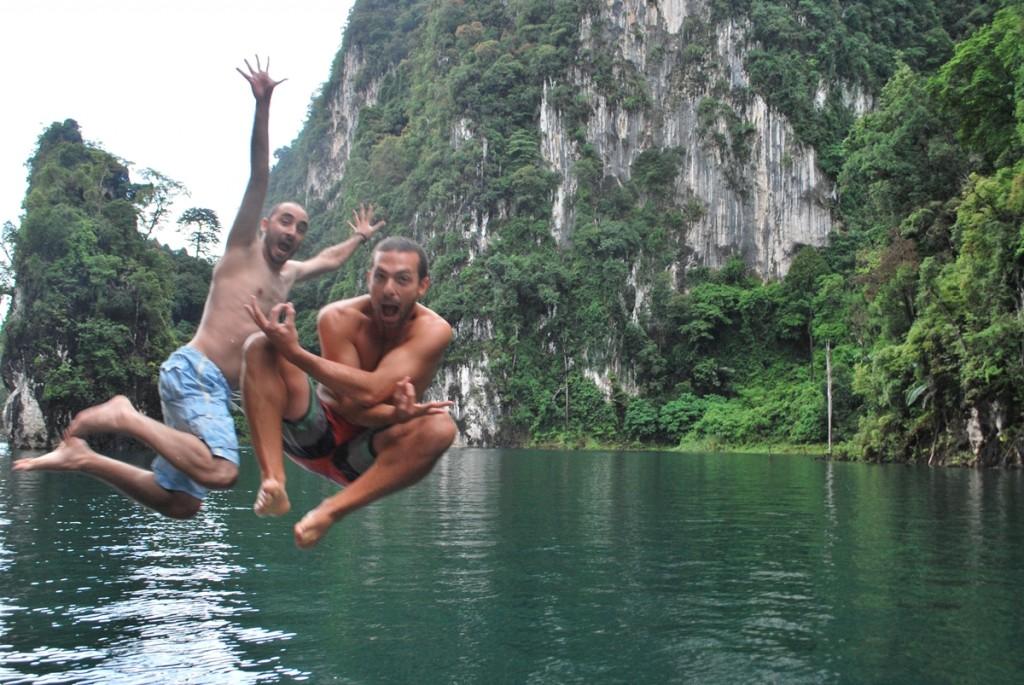 Saltando en Chiew Lan