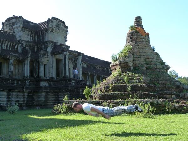Volando dentro de Angkor Wat