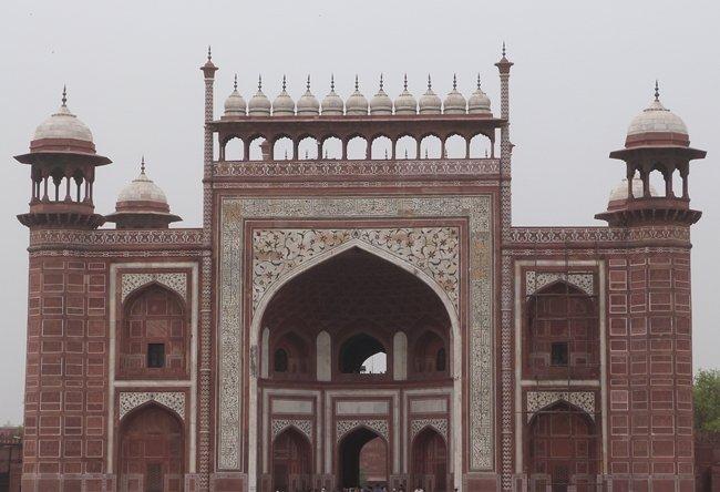 Darwaza del Taj Mahal desde el interior