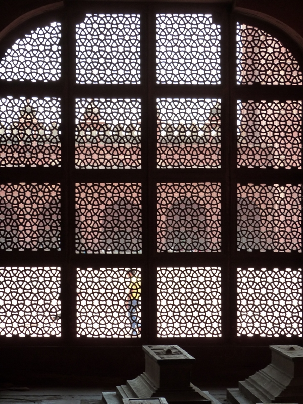 Enrejados en los mausoleos de Fatehpur Sikri
