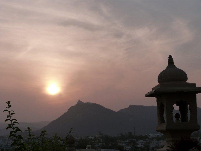 Atardecer desde Mewari Villa - Udaipur