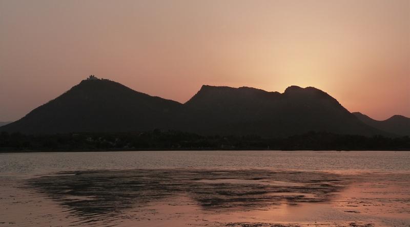 Puesta de sol desde Fateh Sagar - Udaipur