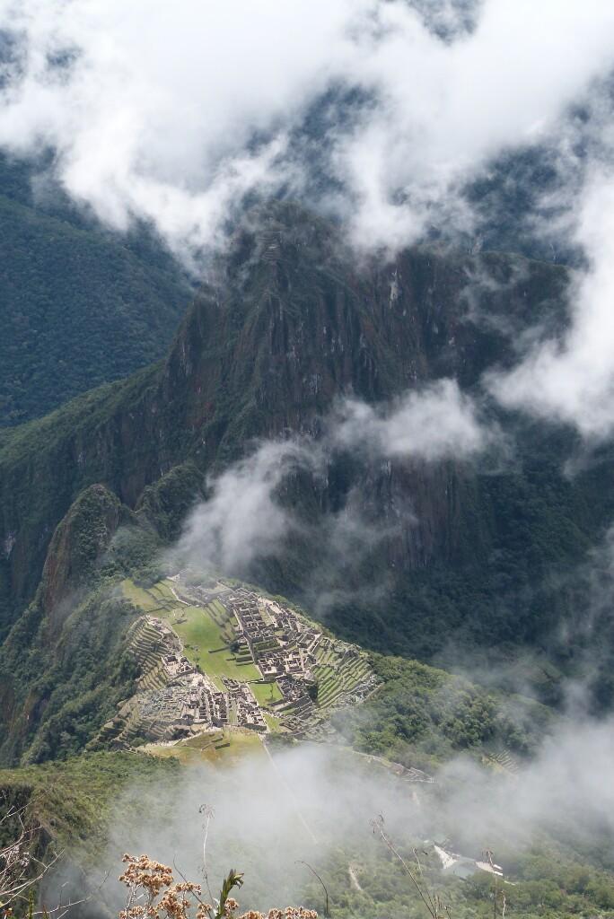 Machu Picchu nuboso desde Machu Picchu
