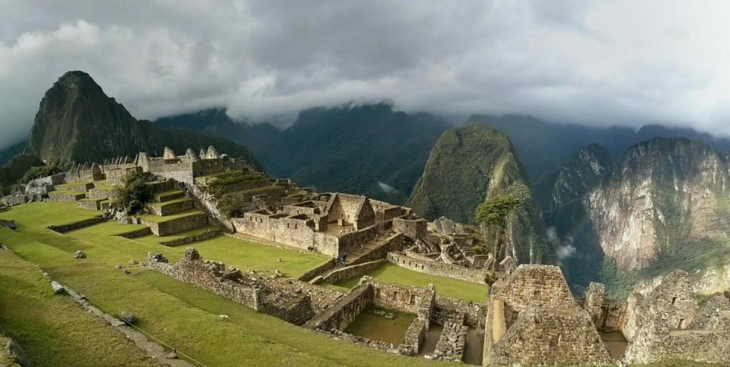 Panorámica del sector urbano de Machu Picchu