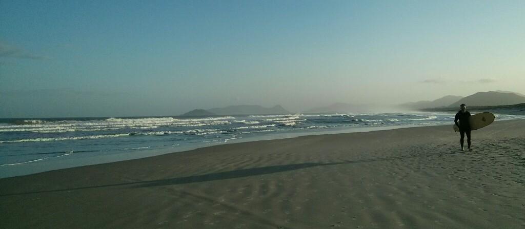 La típica escena en la Joaquina. Surf y playas