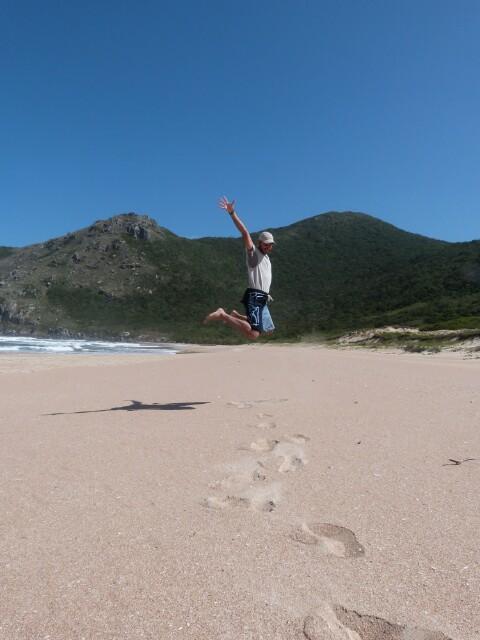 Sobrevolando en Lagoinha con el sendero al fondo
