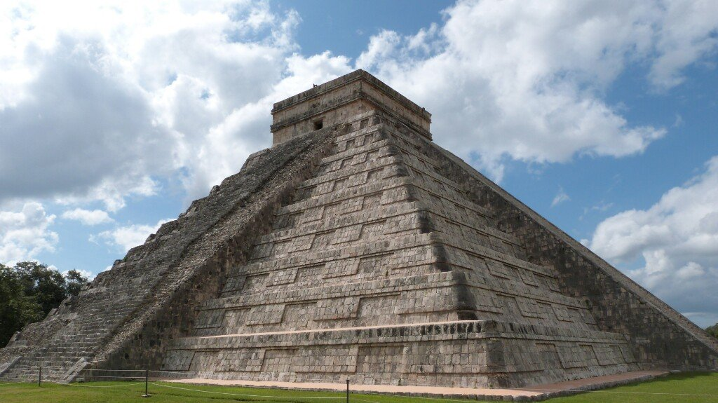 El Castillo o Pirámide de Kukulcán