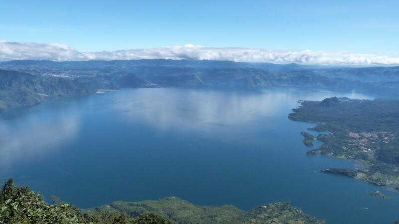 Reflejos y colores de Atitlán