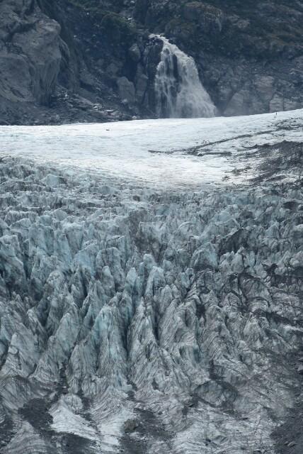 Agua e hielo en el glaciar Fox