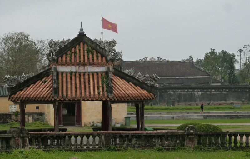 Pinceladas grises sobrevuelan Vietnam