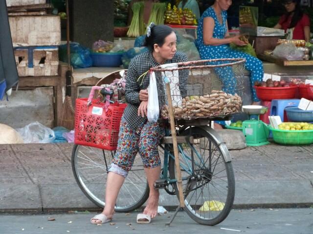 Escenas de mercado en Saigón