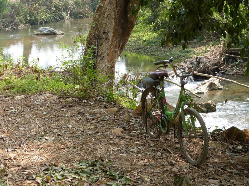 Escenas de vida caminando por Laos