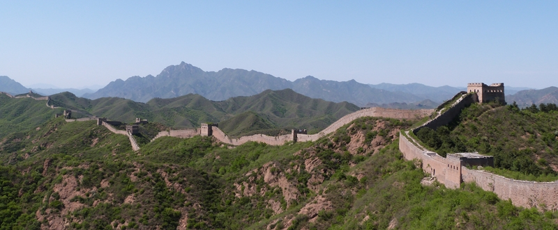 La muralla se pierde hacia Simatai