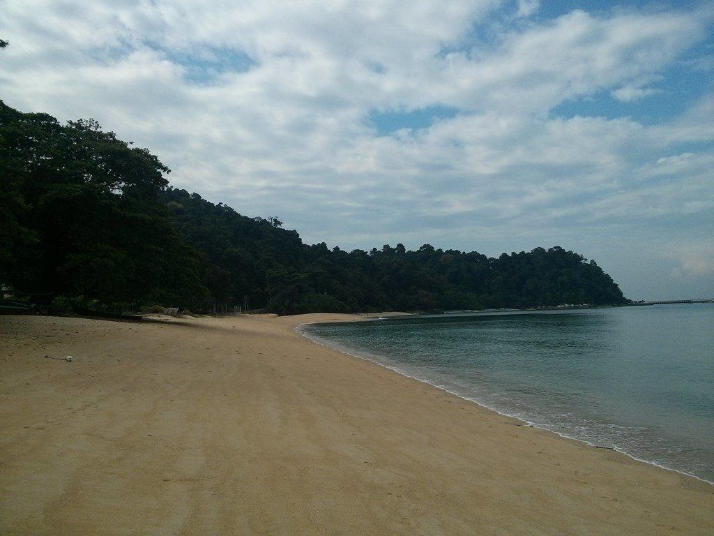 Playa solitaria en Pulau Pangkor