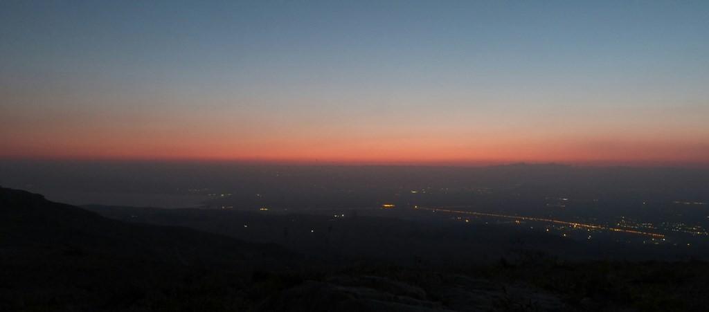 Atardece en Jordania y se enciende Israel