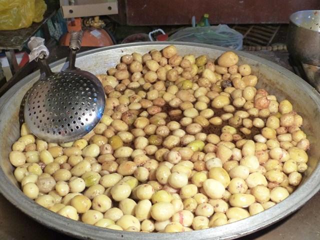 Patatas sabrosas en el mercado de Xian