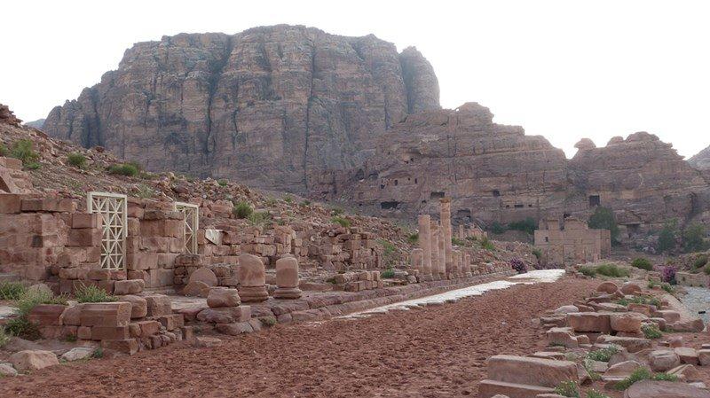 Calle columnada en Petra