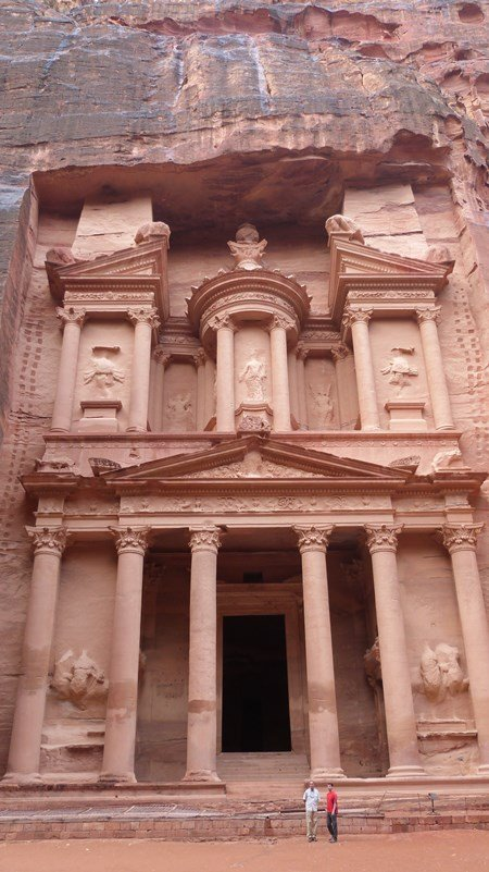 La fachada del Tesoro en Petra