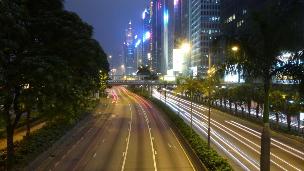 Las calles de Hong Kong al anochecer