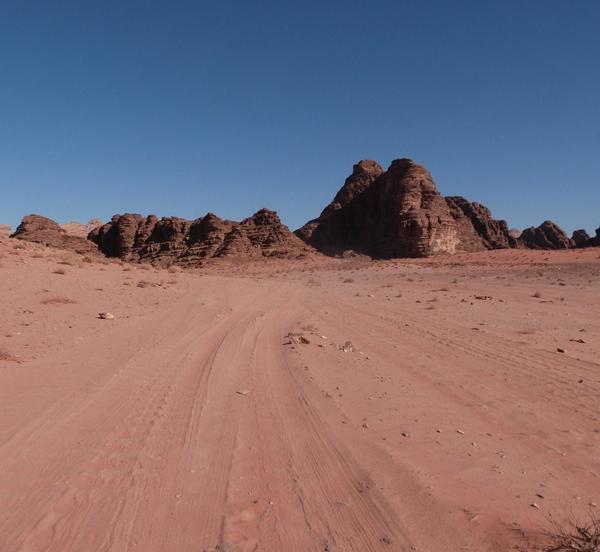 Los primeros metros por el Wadi Rum