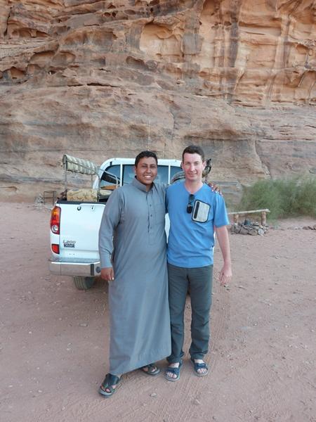 Raúl y uno de los ayudantes de Salman