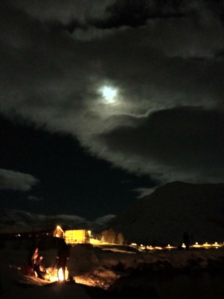 El entorno con la luna llena