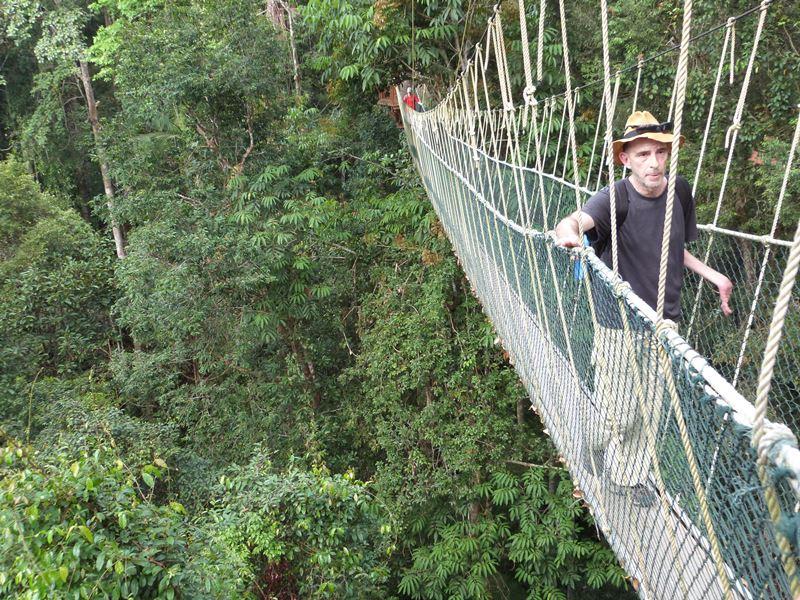Pasando fatiga en los puentes colgantes