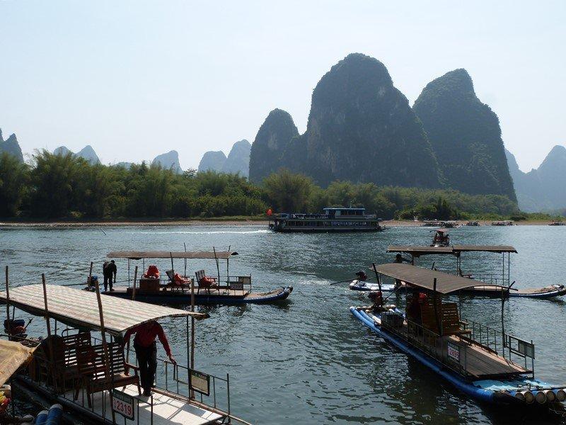 Barcas en Xinping