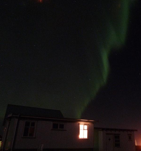 Nuestra casa abrigada por las Auroras Boreales