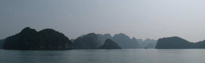 Primeros metros navegando por Ha Long