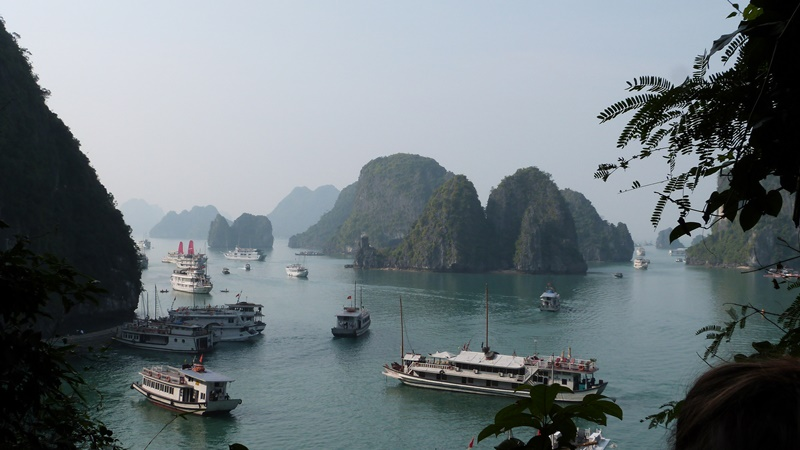 Vistas de Ha Long desde Sung Sot