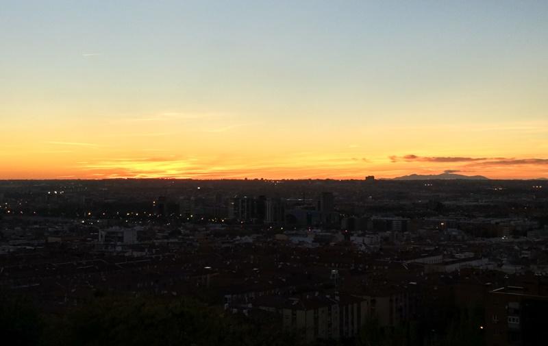 Cielo anaranjado en Madrid