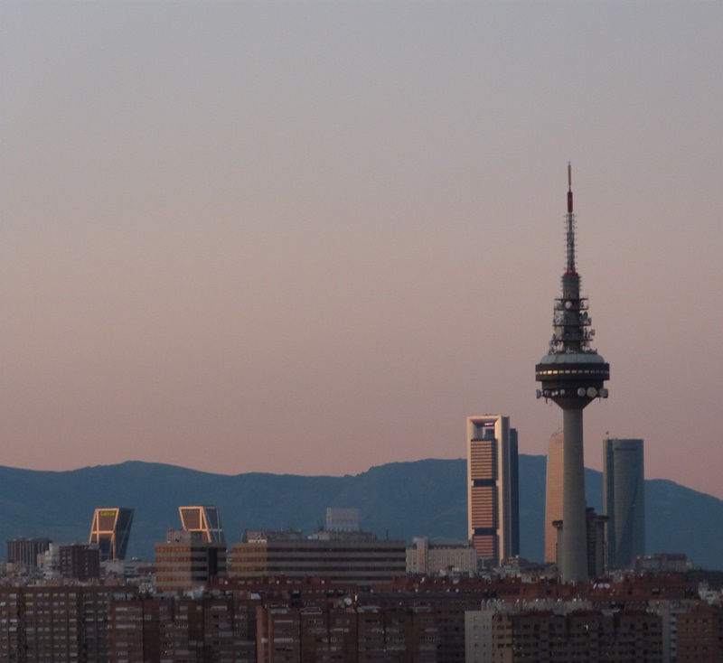 El pirulí y las 4 torres de Madrid
