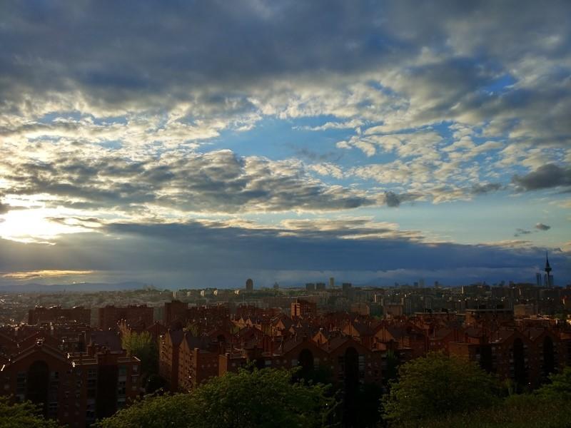 El Cerro del Tío Pío: el mejor lugar para ver atardeceres en Madrid