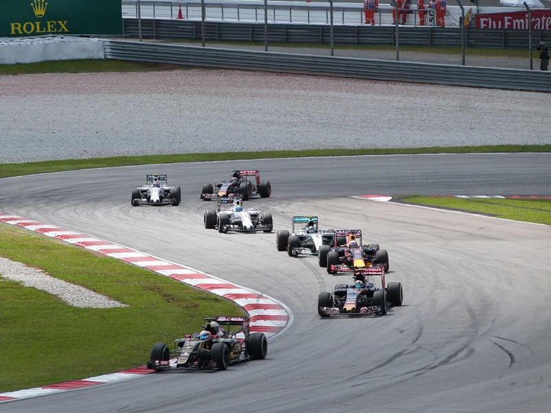 Trenecito de F1s pasando por nuestra zona de Sepang