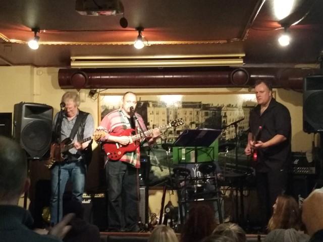 Un mítico concierto en el bar de Mou