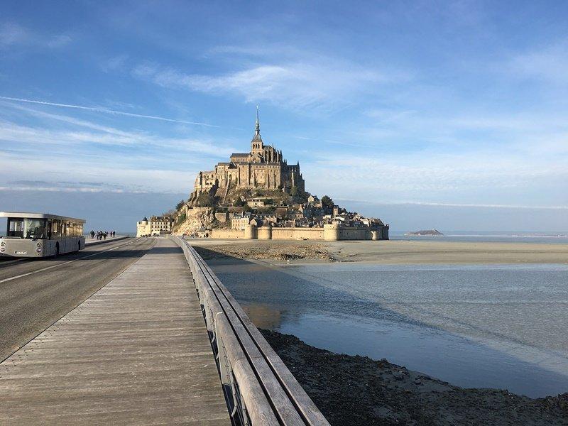 Caminando hacia Mont-Saint-Michel