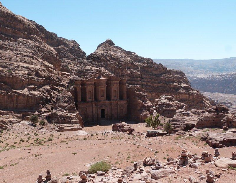 El Monasterio de Petra y su entorno