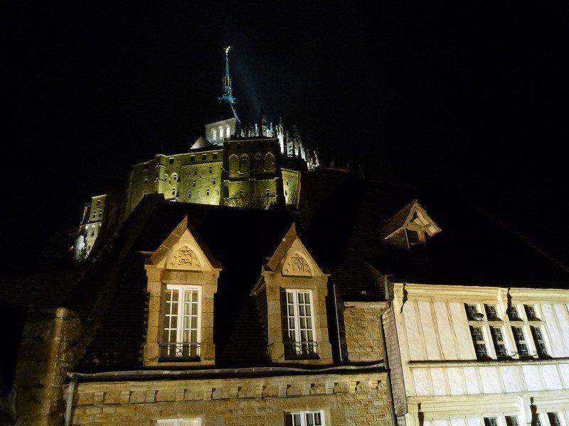 Interior de Saint-Michel de noche
