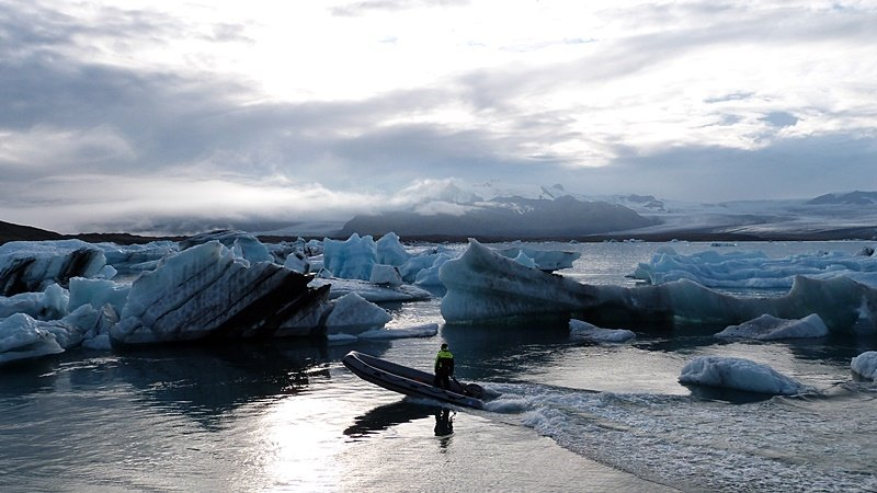 Navegando por Jökulsárlón y caminando por Skaftafell: un día inolvidable en Islandia