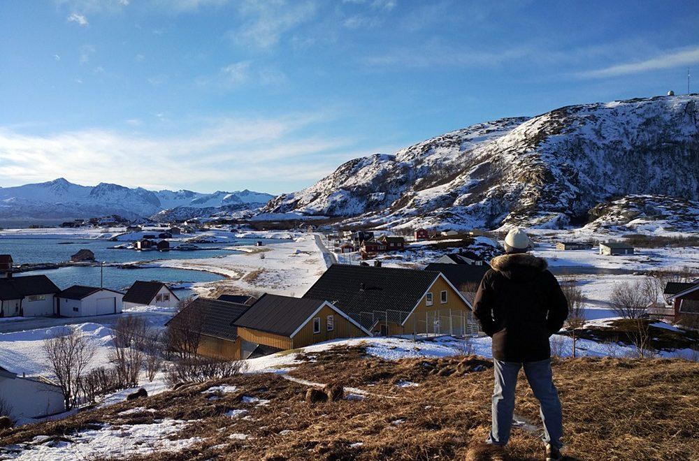 Contemplando Sommaroy en Noruega
