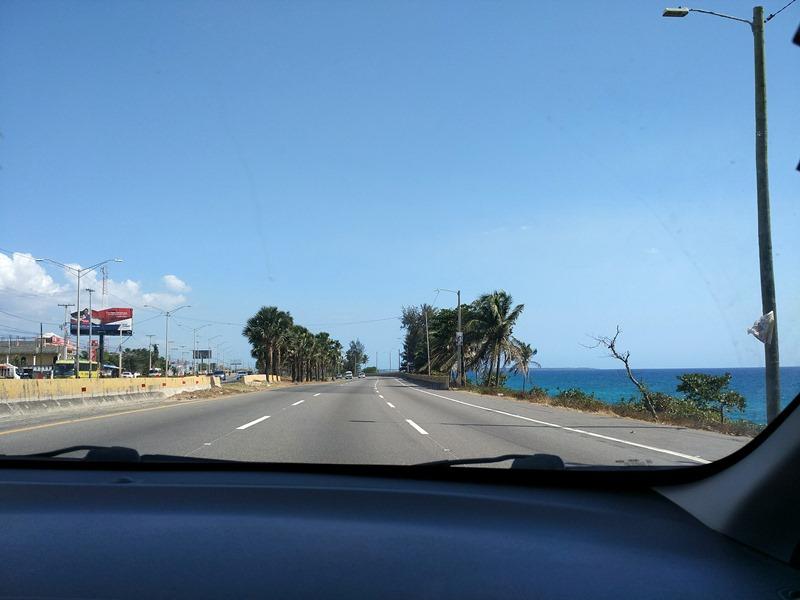 Conduciendo hacia el aeropuerto de Las Américas