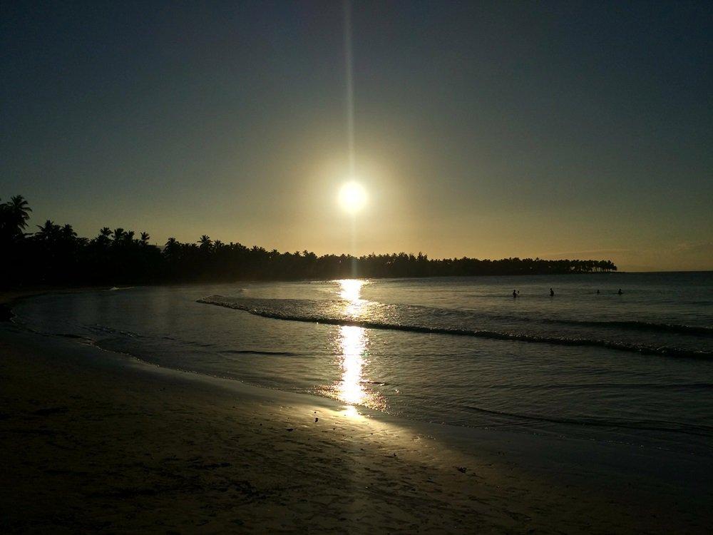 Primera postal al atardecer de Playa Bonita