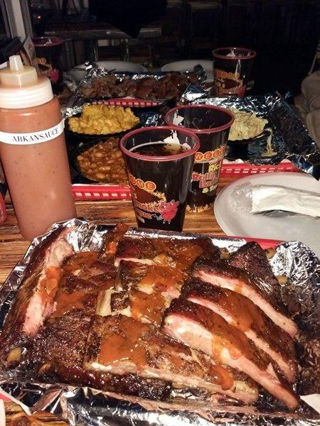 Suculenta cena en la BBQ de Rick en las Vegas
